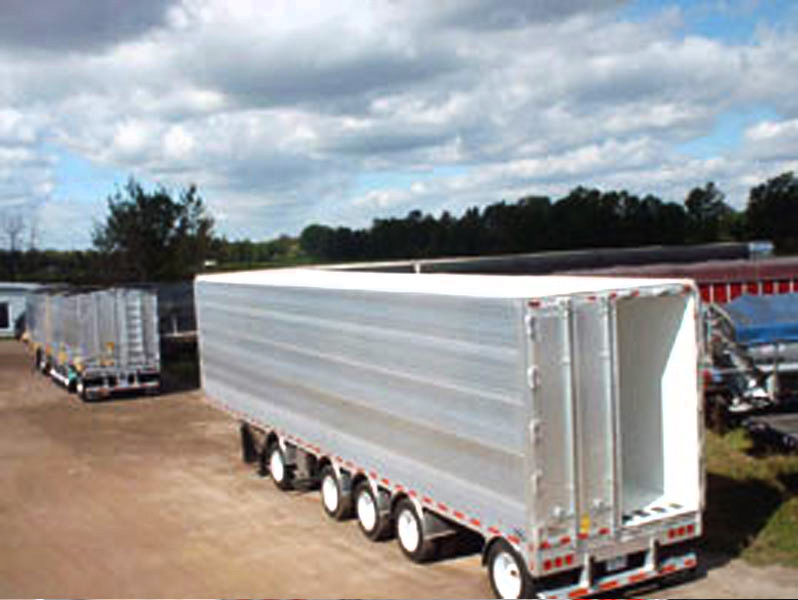 Reefers truck trailers insulated with Super Therm®